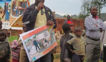 Sensibilisation avec affiche et microphone - ASF Goma